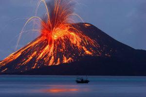 Извержение вулкана Краката́y