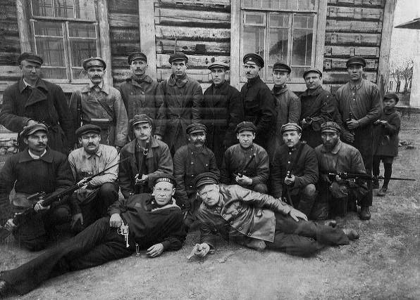 Челябинск. Участники Красной гвардии железнодорожного района. 1917-1918 гг.