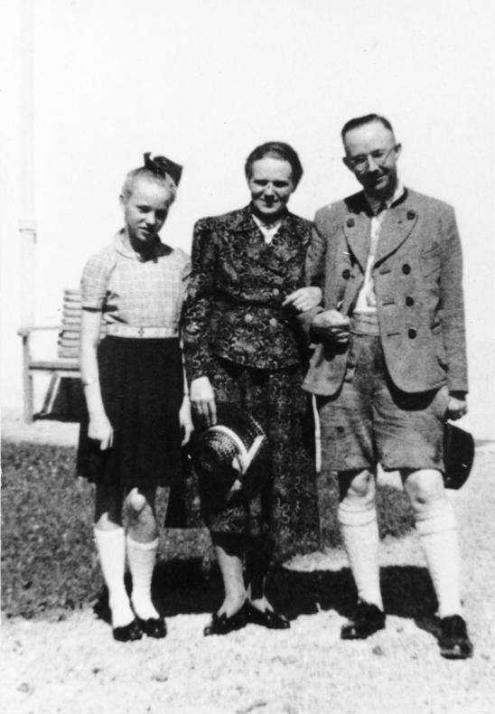 Гудрун с родителями