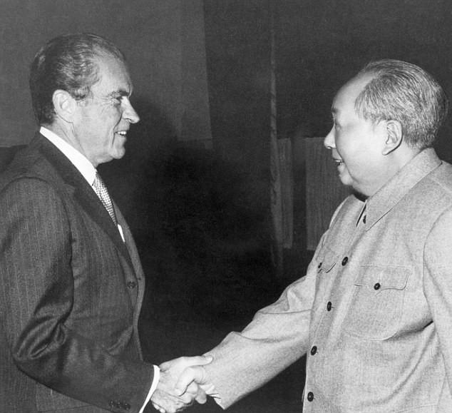 А вот Никсону Мао был рад гораздо больше.