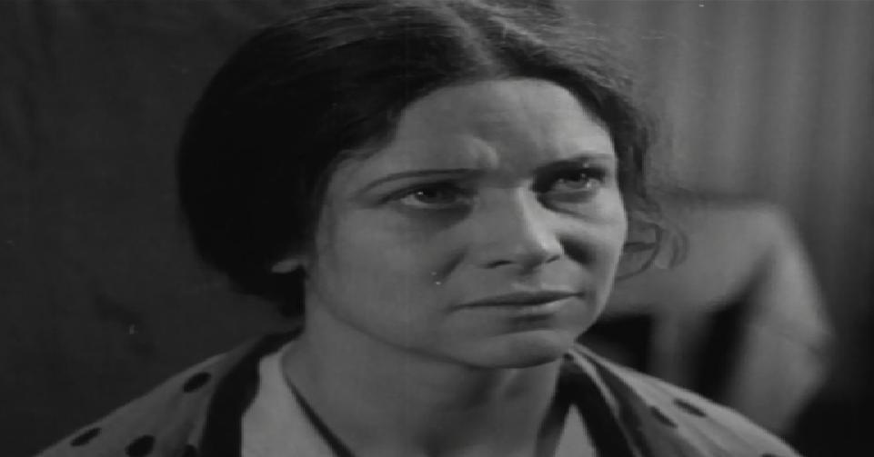 Клавдия Половикова, кадр из фильма «Рваные башмаки», 1933 год