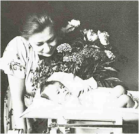 Валентина Серова с дочерью