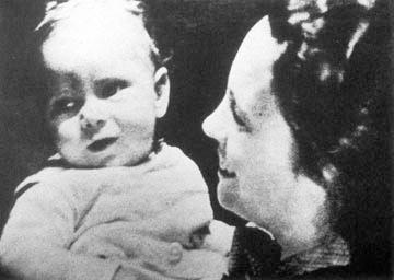 Карола с сыном Георгом