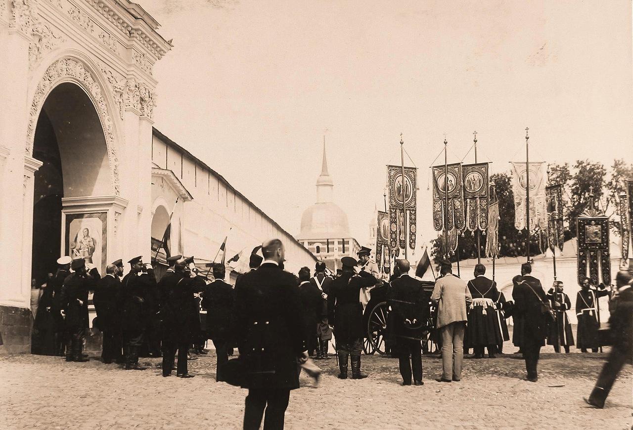 Посещение Императорской семьей Троице-Сергиевой Лавры в 1912 году.