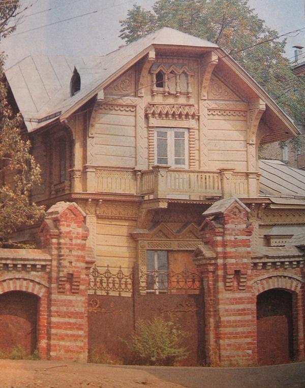 Вид дома в 1980-е годы.