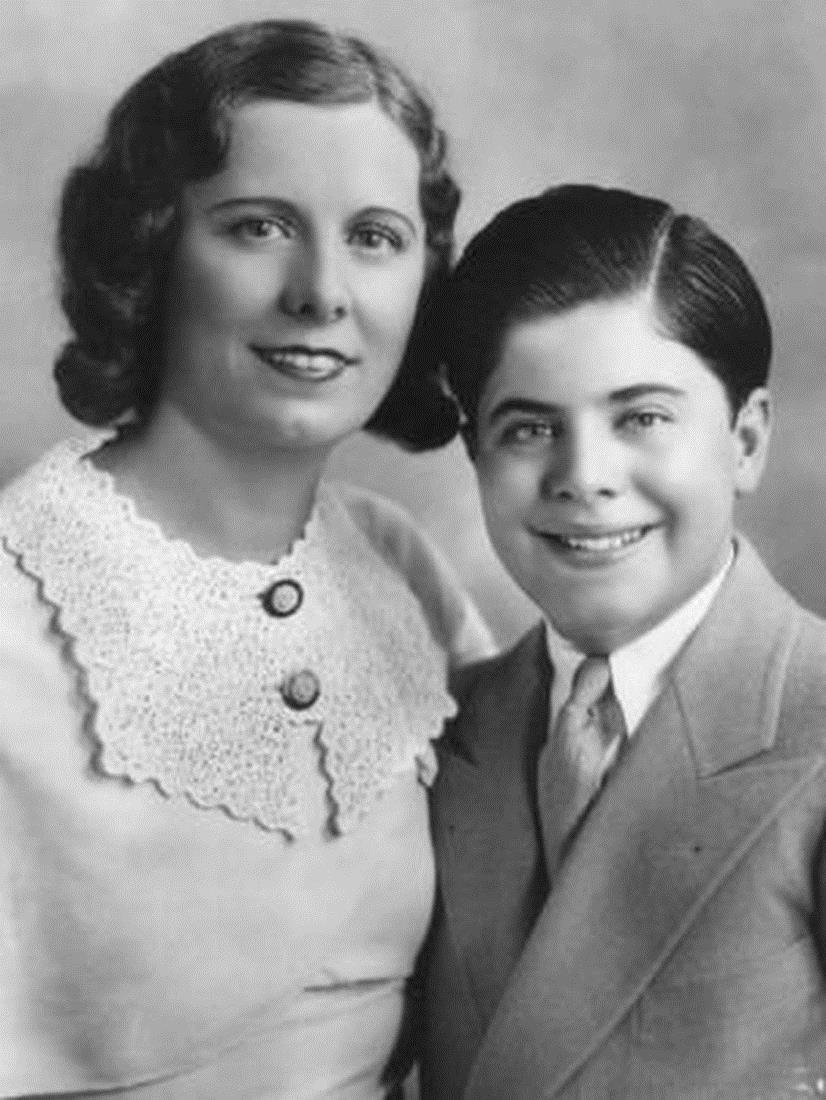 Мей Капоне с сыном Сонни
