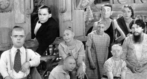 Кадр со съемок фильма «Уродцы»