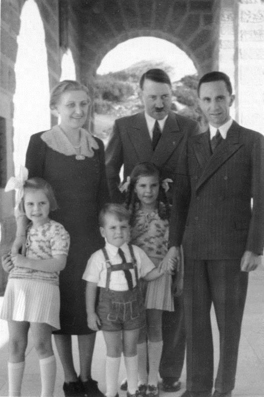 Фото, сделанное после примирения, специально для немецкой прессы