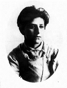 Фанни в 1906 году.