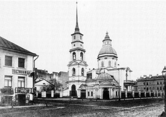 Гостиница на улице Симеоновской (ныне – Белинского) в Санкт-Петербурге, до наших дней дом не сохранился