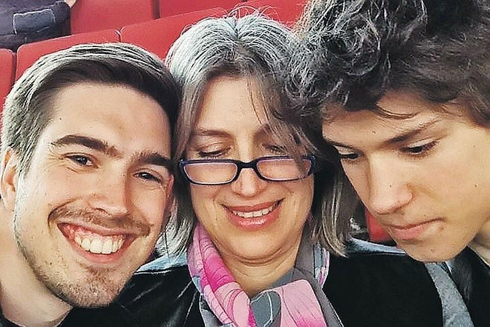 Лилиана с сыновьями