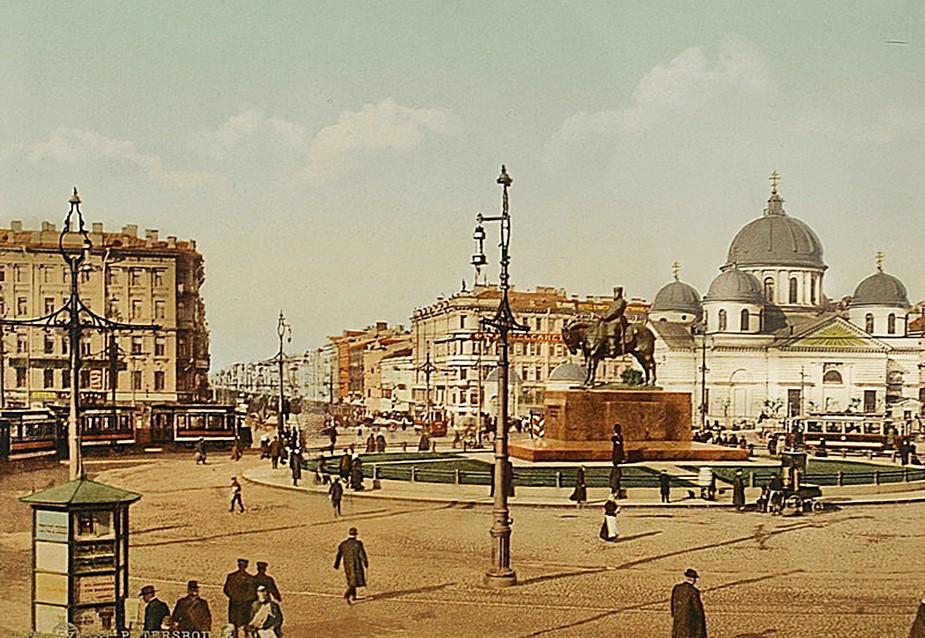 Знаменская площадь в Санкт-Петербурге